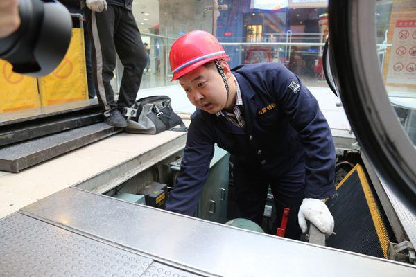 Henan Yuntian conducts summer crane equipment safety inspections1.jpg